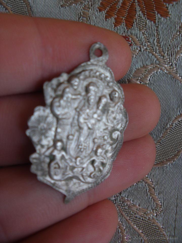 0113fa43c76e Antigua medalla alajar reina de los angeles plata huelva siglo xix ...