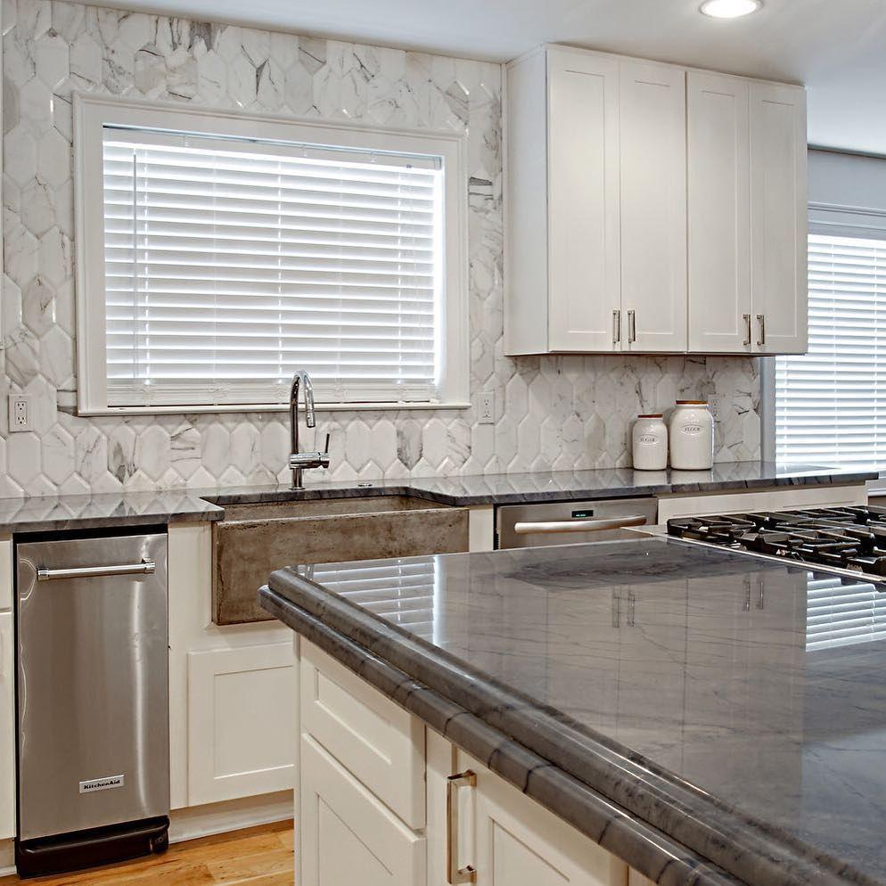 Kitchen Stone Backsplash: 10 Simple And Modern Tricks: Mirror Backsplash Mercury