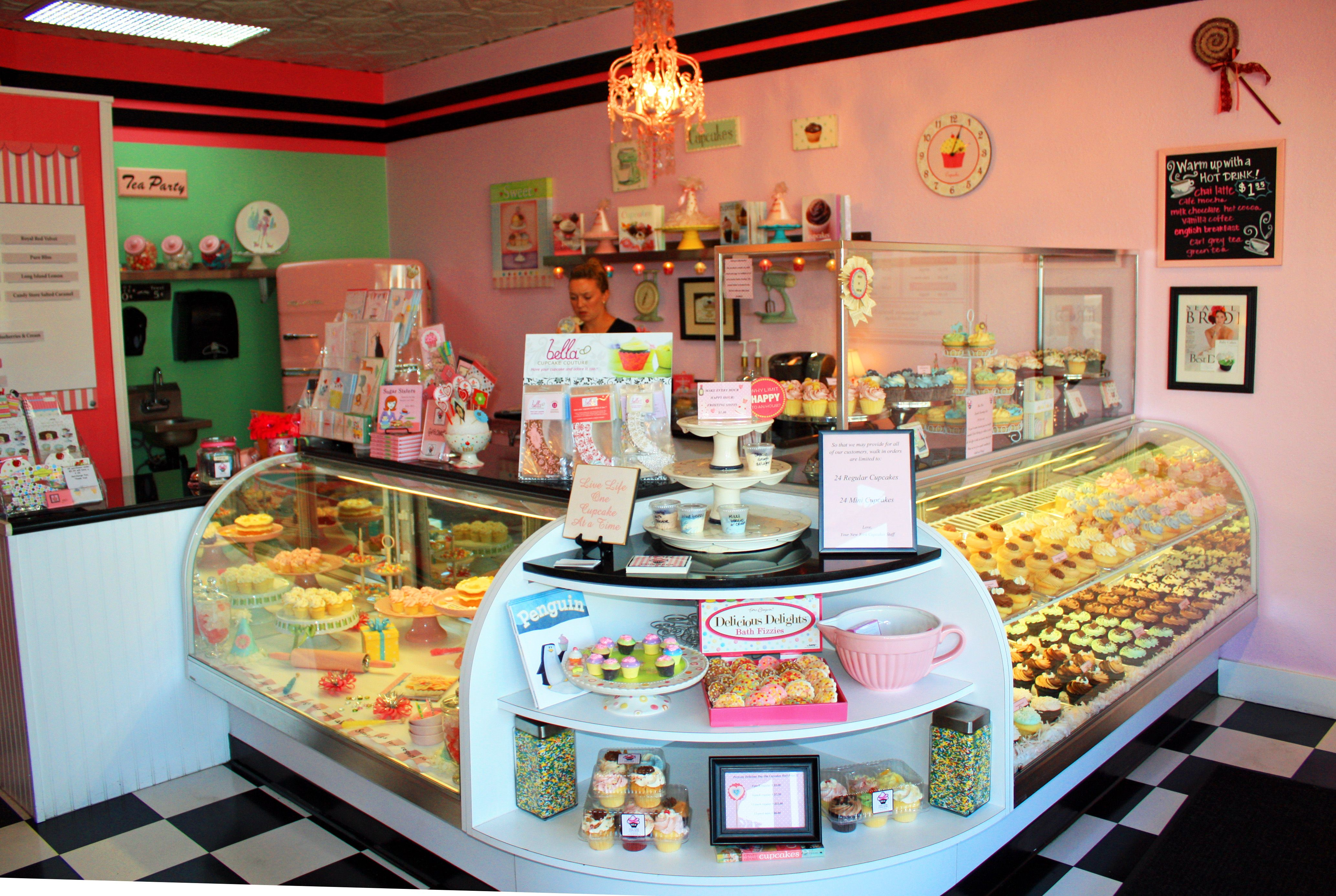 Cupcake shops cupcake tweet up at new york cupcakes for Raumgestaltung cafe