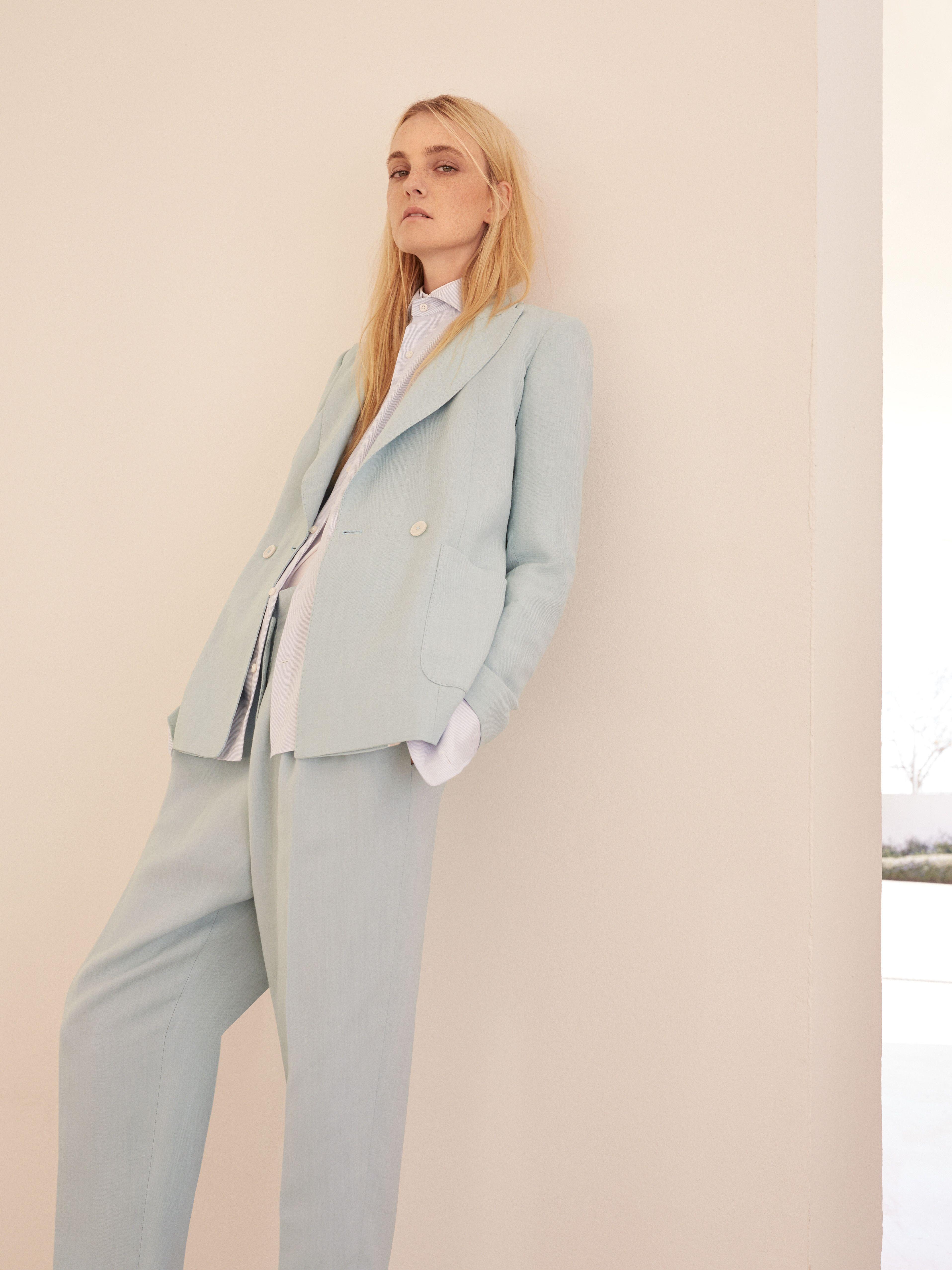 A woman in Suit - EDITORIAL - Massimo Dutti | La ...