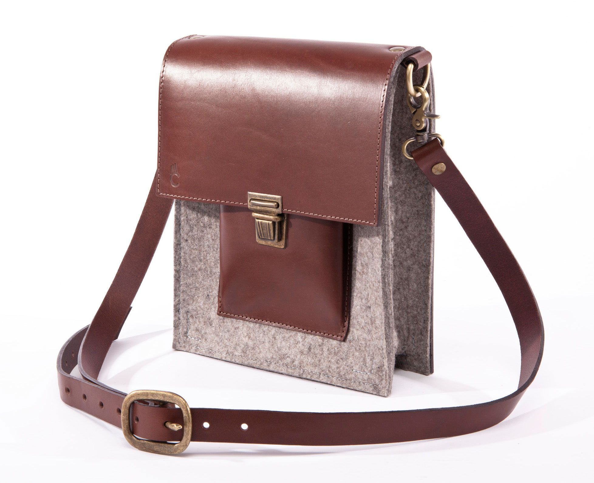 L'explorateur - Felt and Leather - CANTIN - Permanent Collection #fashion #montreal #handmade  #bags