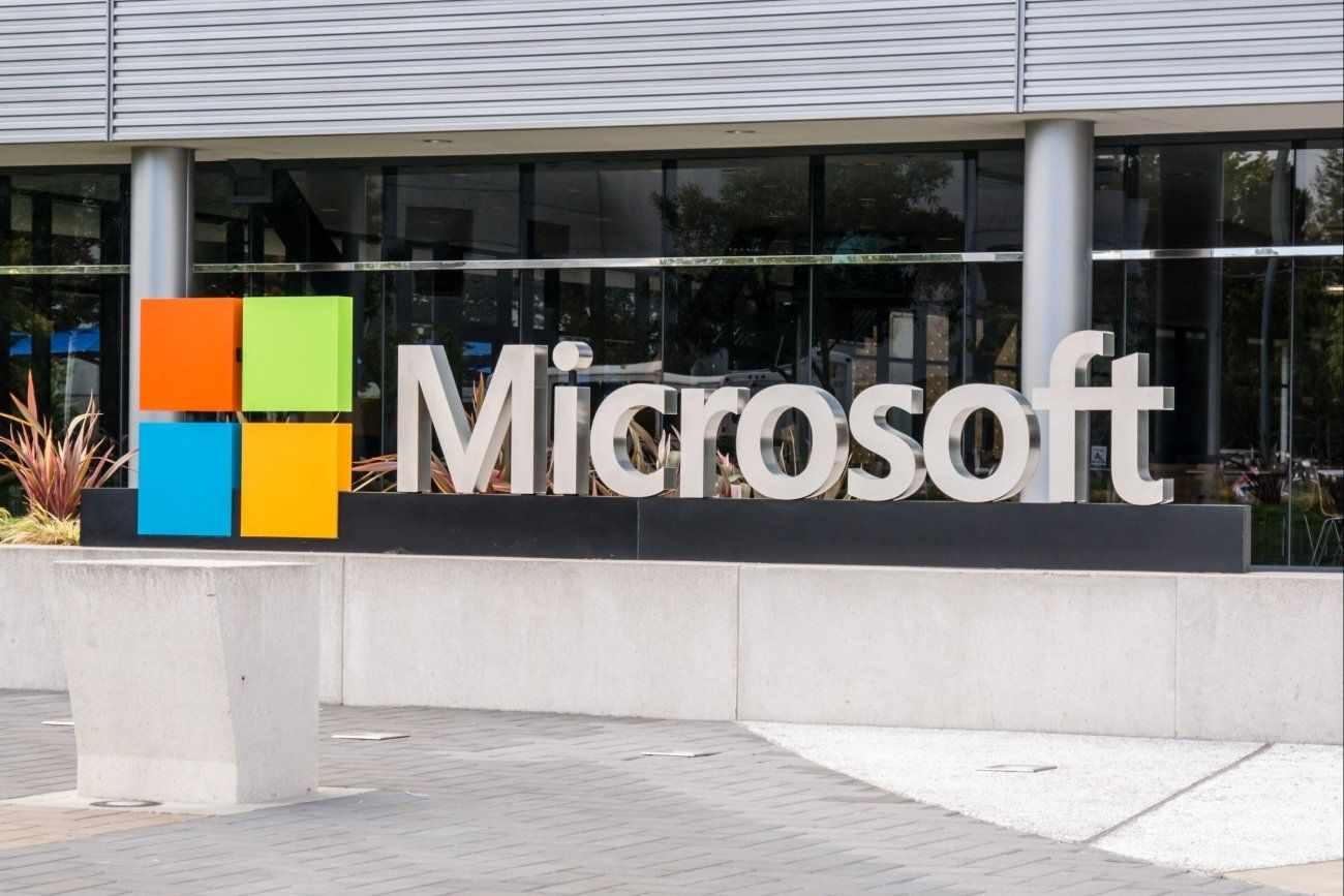 Microsoft Drops Lawsuit in Secrecy Case the Government