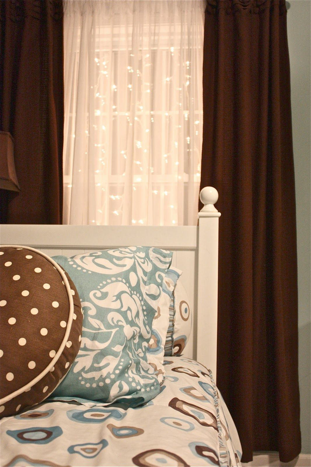 creating a celestial nightlight how to hang twinkle. Black Bedroom Furniture Sets. Home Design Ideas