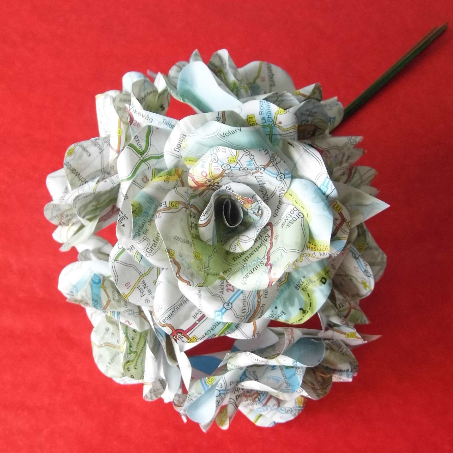 6 Stunning Map Paper Flower Roses, Bouquet, Paper Roses, Bridal Bouquet, by WearedCrafts on Etsy https://www.etsy.com/uk/listing/264841518/6-stunning-map-paper-flower-roses