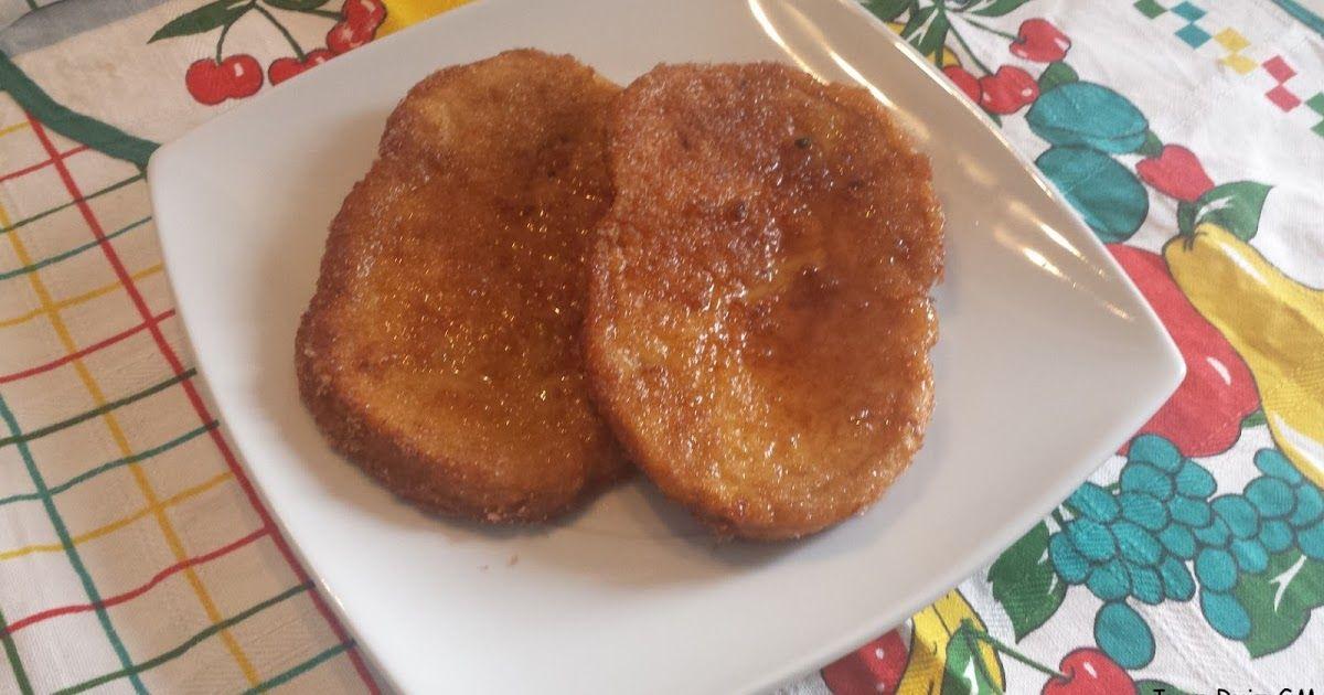 INGREDIENTES 1 Barra de pan del día anterior o Pan de molde tipo hogaza, es la que he utilizado 1 Litro de leche 5 Huevos A...