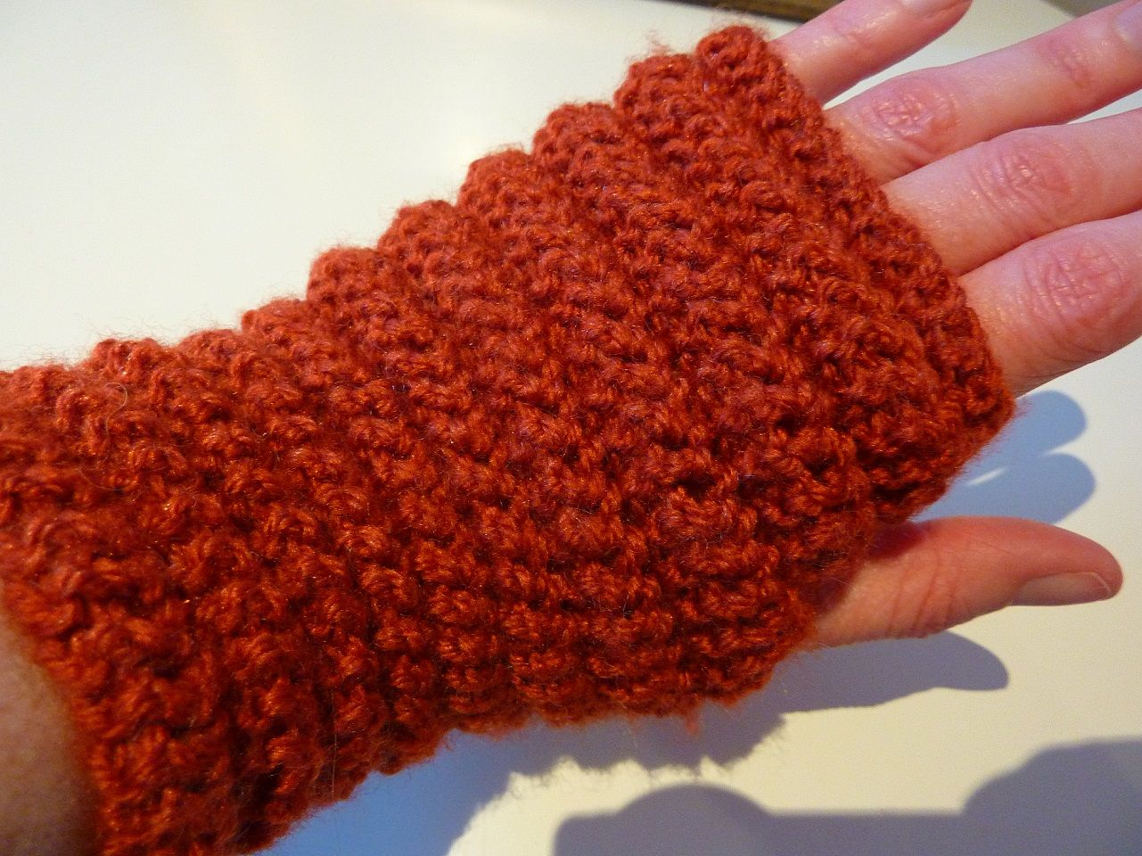 Easy* Ladies Fingerless Gloves / Wrist Warmers Knitting Pattern ...
