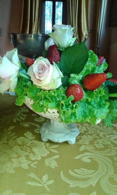 Insalata fragole e rose