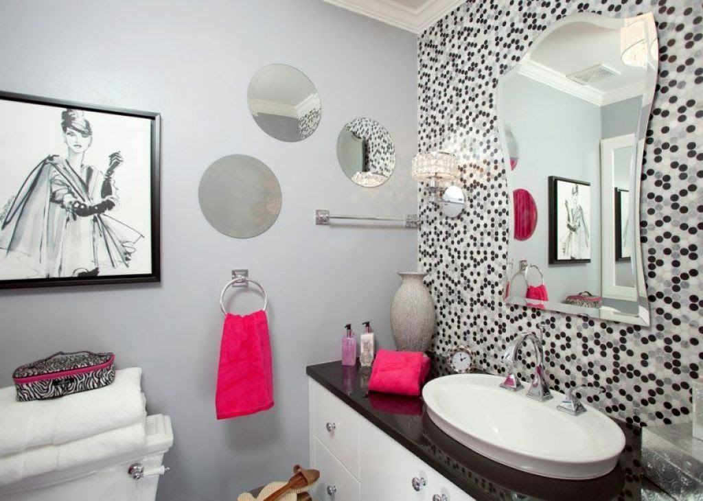 Contemporary Small Bathroom With Grey Walls And Wall Mirrors Also - Pink towels for small bathroom ideas