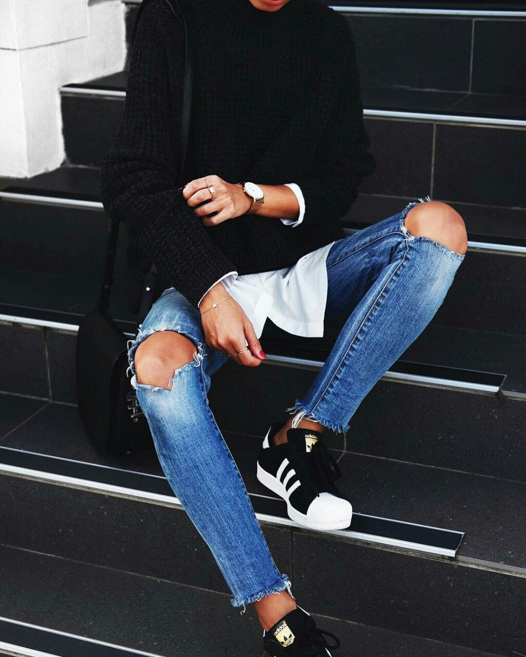 9329c5eb67e4c Ripped jeans