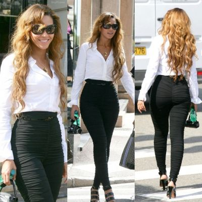 Bey's got it right: don't hide the booty, if you got it flaunt it!