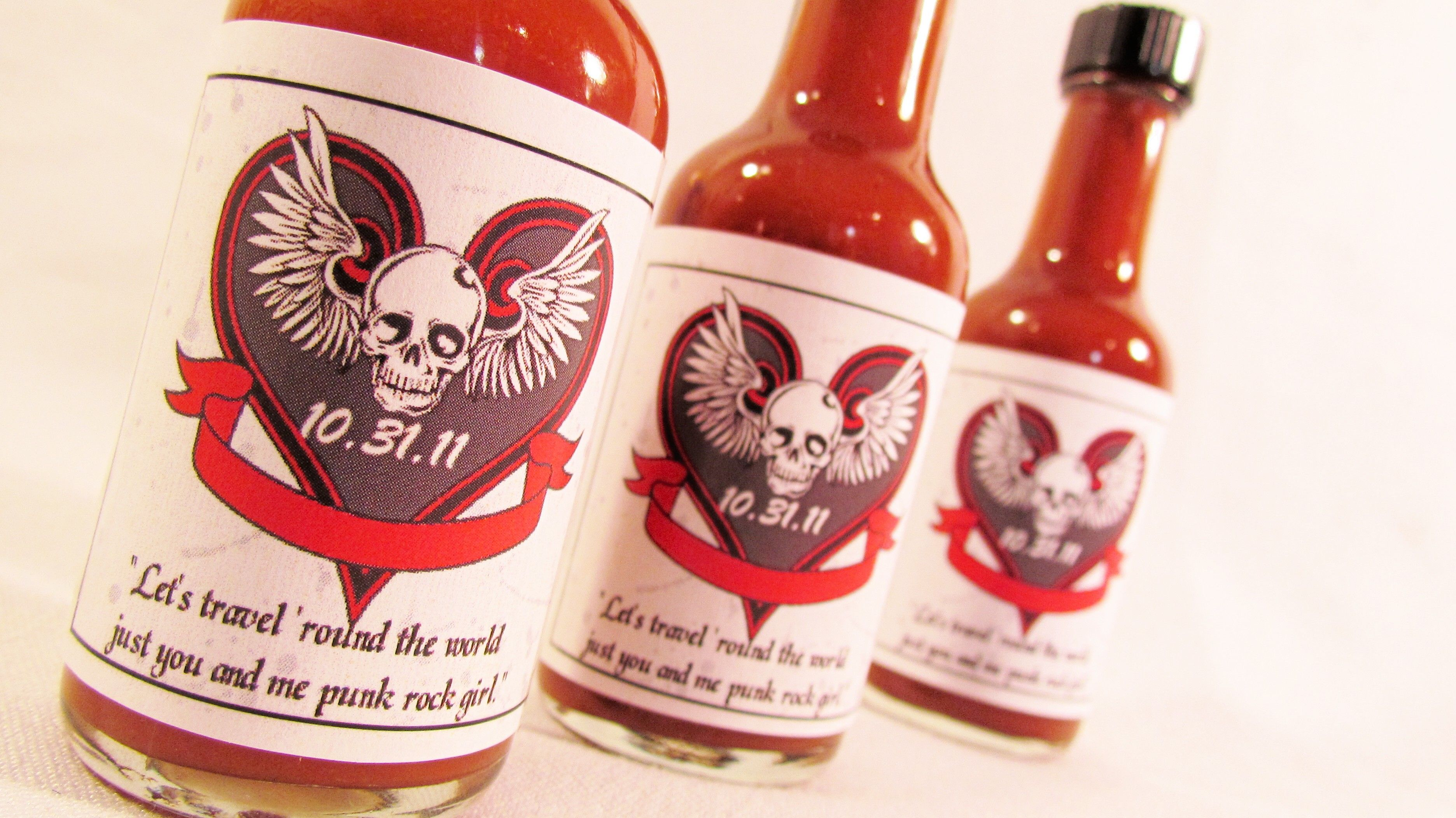 Wedding favors ~ DaSweetZpot -what about hot sauce or tapatio ...