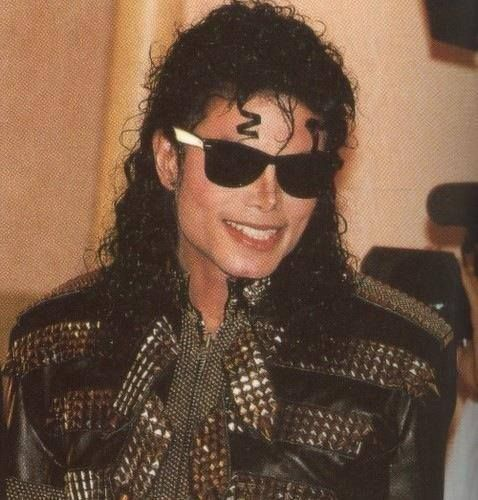 ♥ Michael Jackson ♥ - his look here kind of reminds me of Johnny Castle (Patrick Swayze's character in Dirty Dancing) :)
