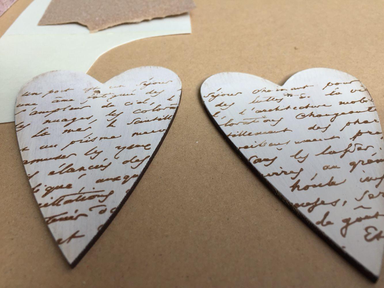 Detalles que enamoran. Corazón de Madera pintado a mano y envejecido. Ideal #sello #corazon #decoupage #scrap