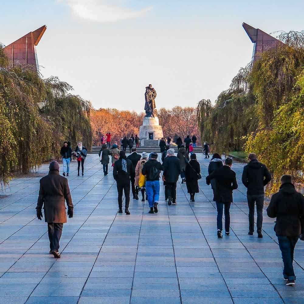 Besondere Stadtfuhrung In Berlin Gesucht Mit Berlins Taiga Die