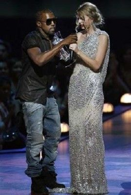 She Handled That Well Kanye Interrupts Taylor Taylor Swift Kayne West