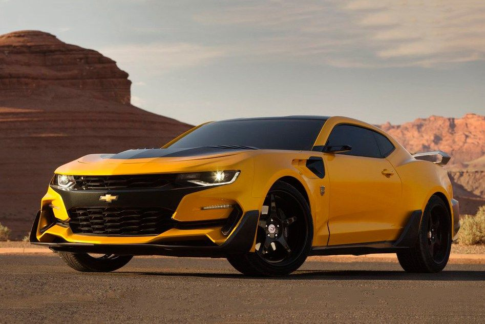michael bay unveils bumblebee s new look for transformers rh pinterest com