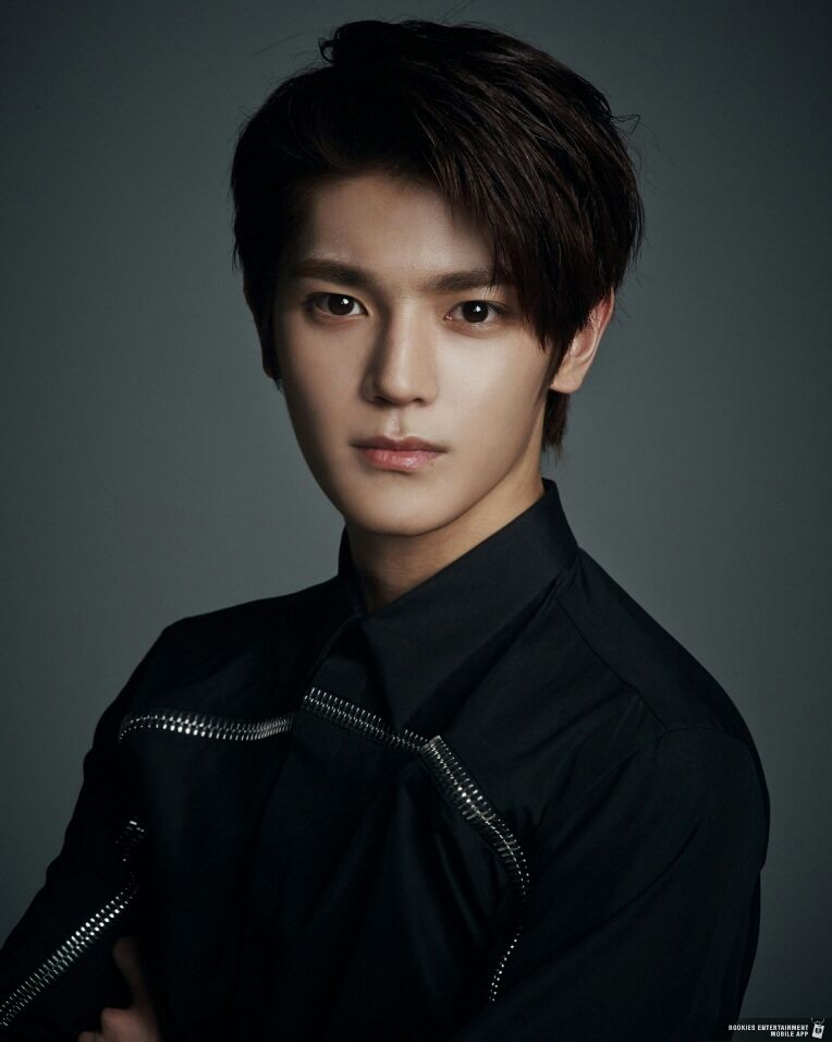 taeyong blackhair sm rookies era | #new Taeyong NCT Wallpaper in 2019 | NCT, Nct ...