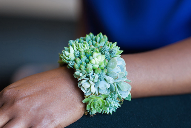 Wear your love of nature on your sleeve—and on your neck, fingers, wrists, and ears by Susan McLeary.