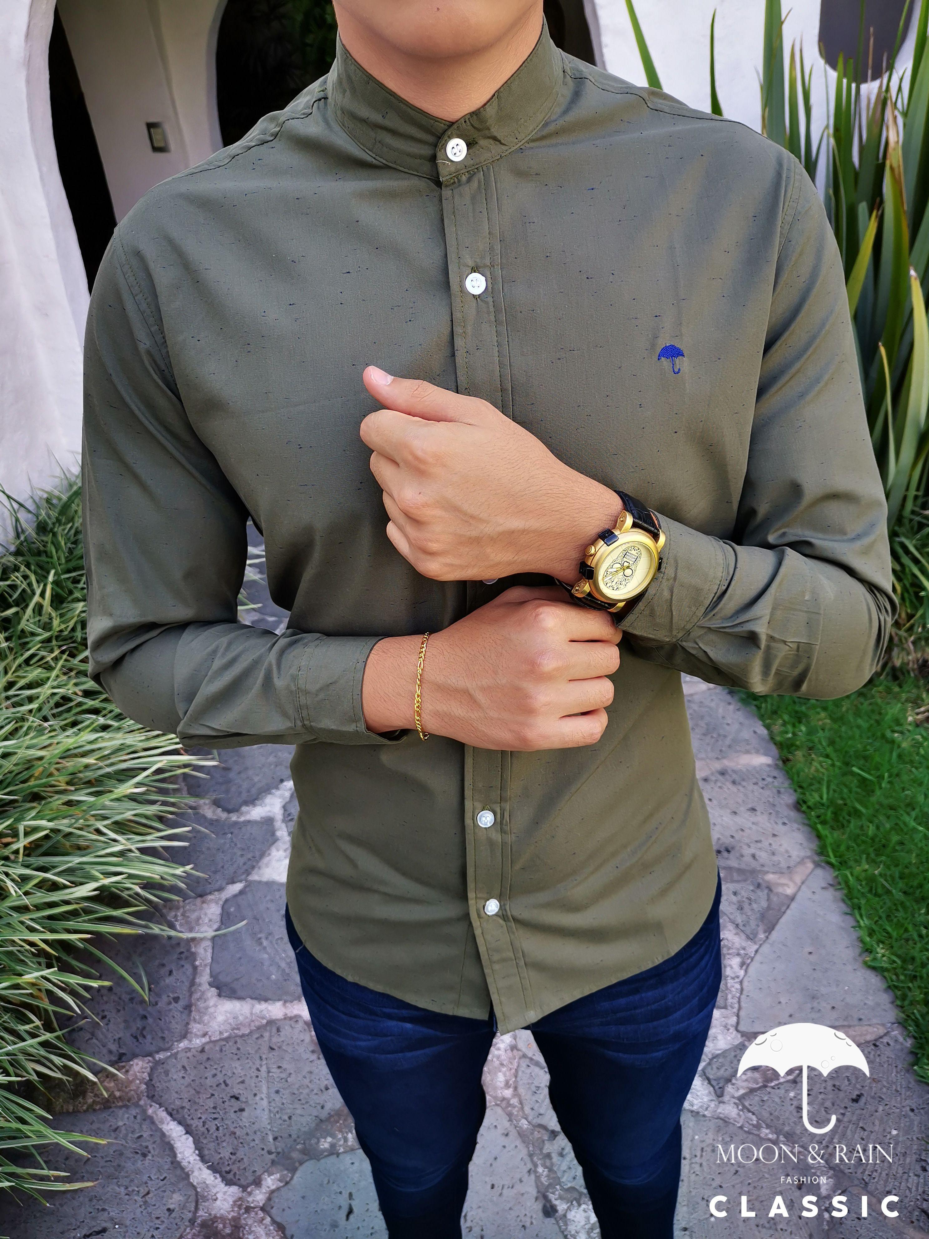 Outfit para hombre; camisa manga larga verde lisa slim fit ...