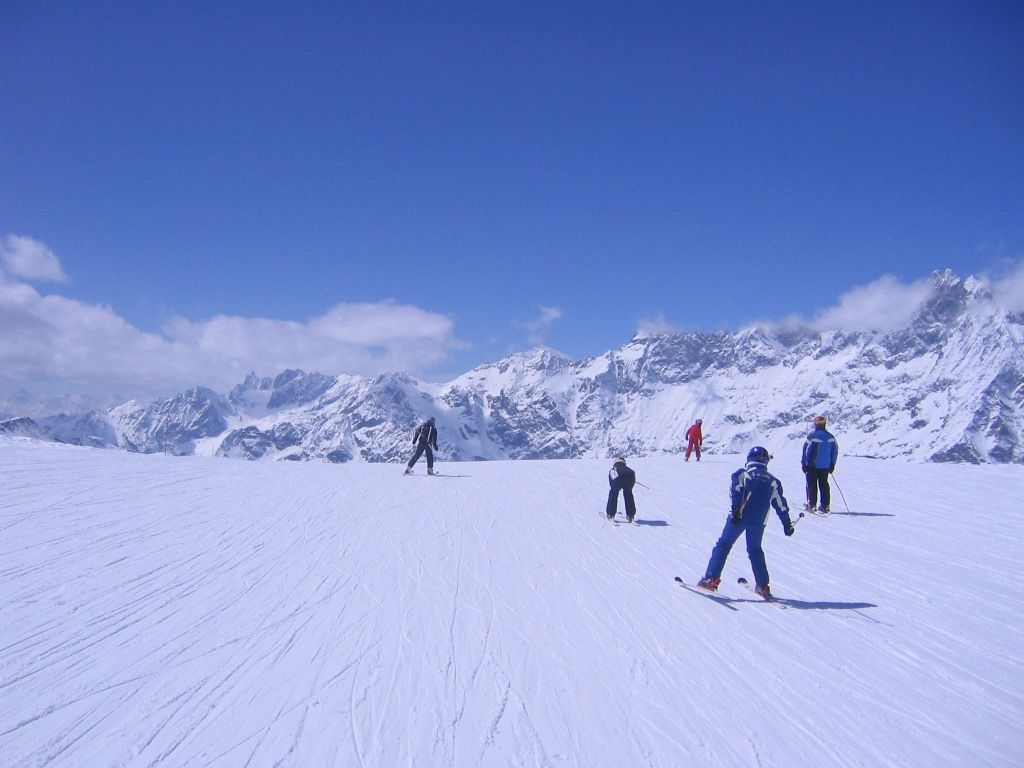 Holiday ski apartments for rent in Cervinia Breuil Aosta ...