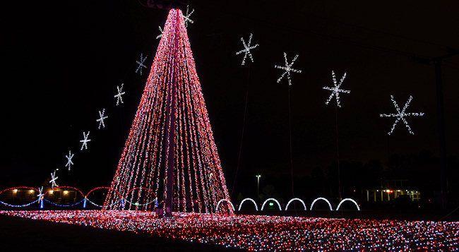 Shadrack's Christmas Wonderland Lights, Asheville - Shadrack's Christmas Wonderland Lights, Asheville North Carolina
