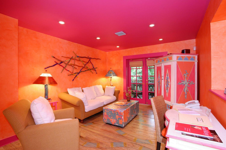 Sunset Suite Orange Walls Sundyhouse Unique Hotel Rooms Dream Rooms Pink Walls