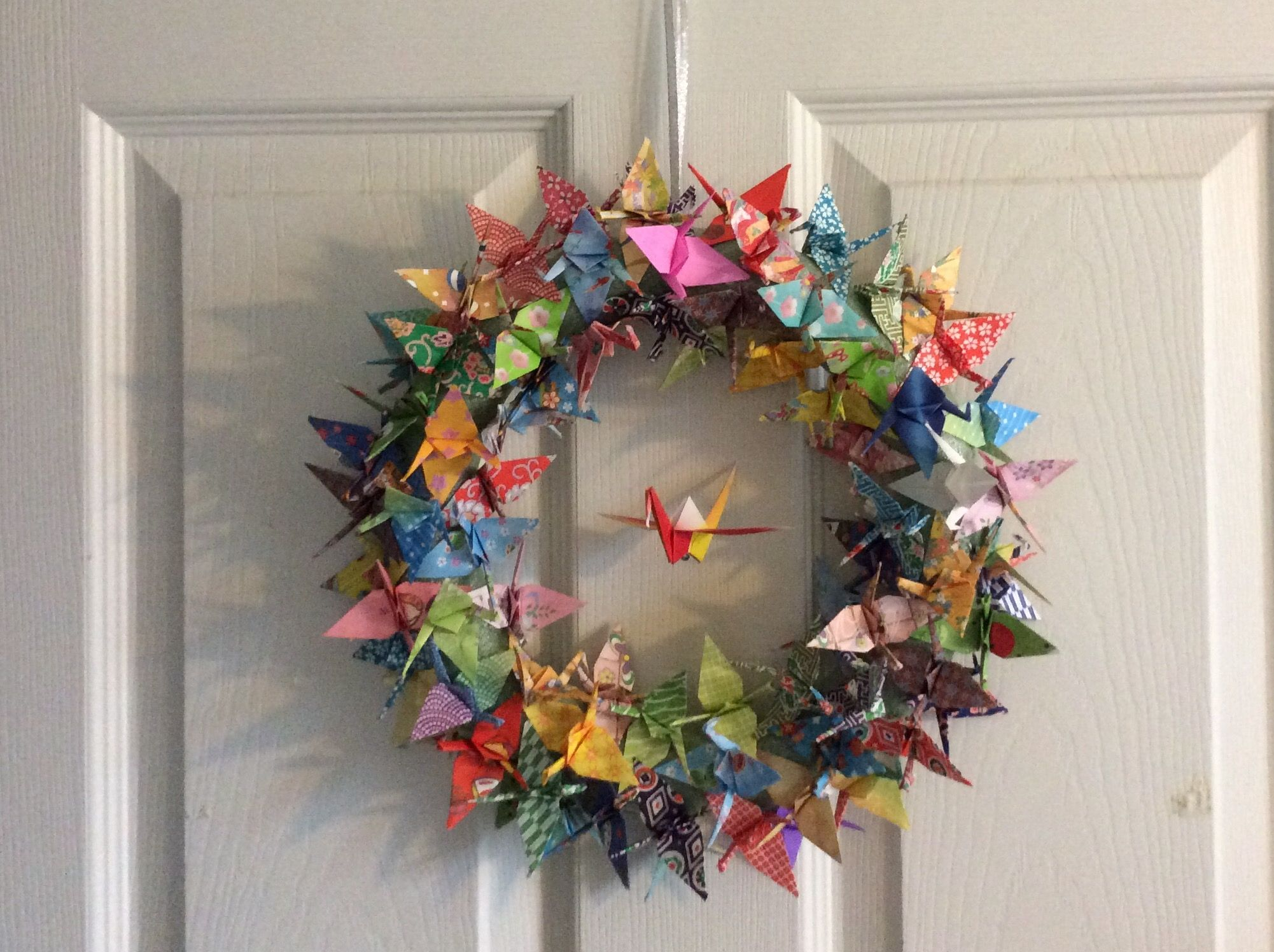 Origami Crane Wreath- Why havent I done this yet? | Origami | Christmas origami, Origami ... - photo#50