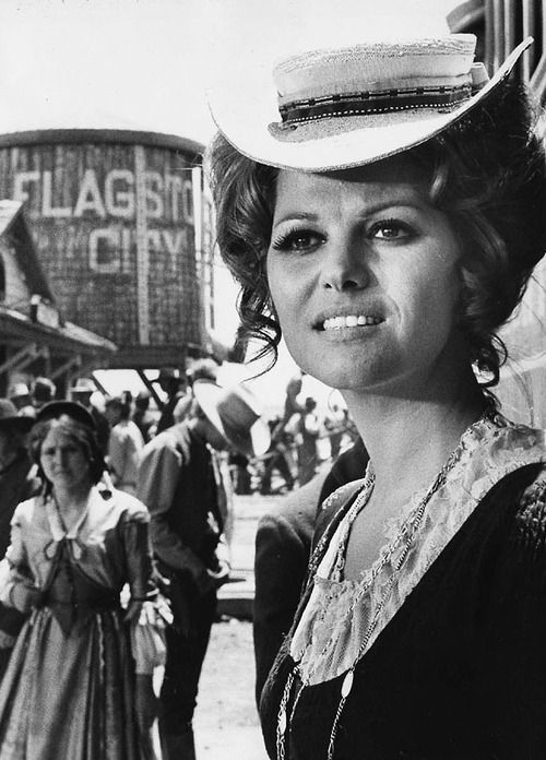 Claudia Cardinale In Once Upon A Time In The West Estrela De