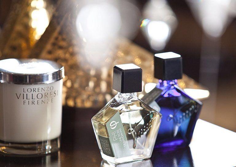 أفضل ماركات العطور النسائية الفواحة لأنوثة ساحرة 2020 Perfume Bottles Perfume Bottle