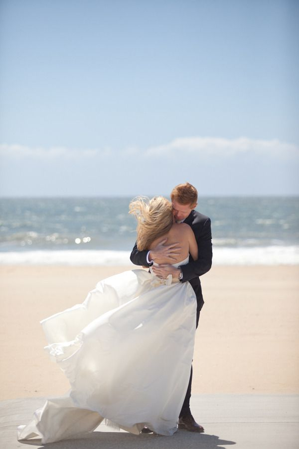 Gorgeous Shot Of A Bery Seaside Hug Photography By Studio28photo Beach Wedding Photos