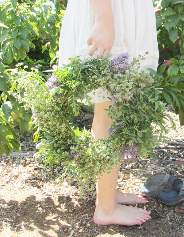 Make This: Herbal Wreath