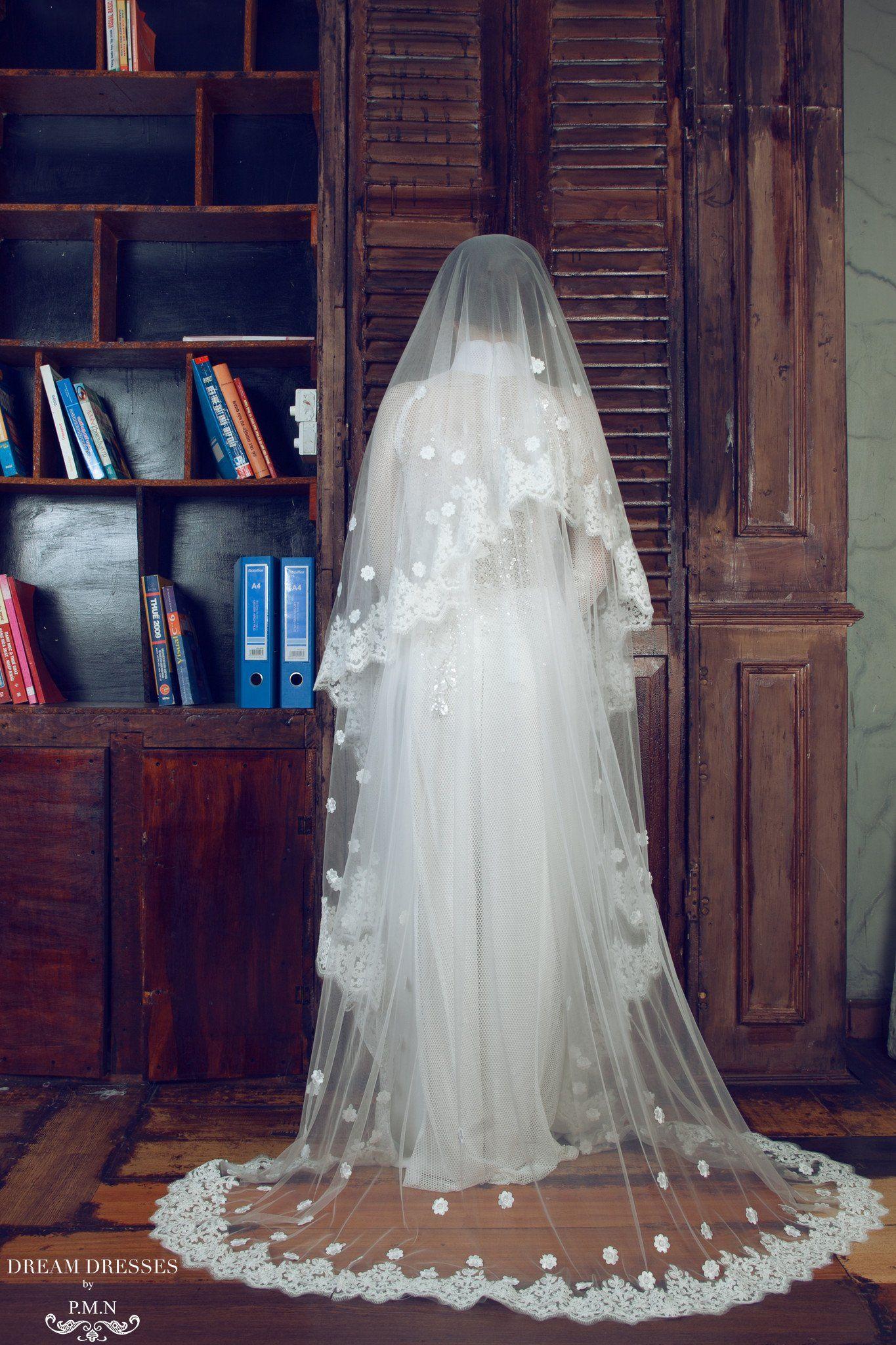 2019 year look- Vietnamese traditional wedding dress