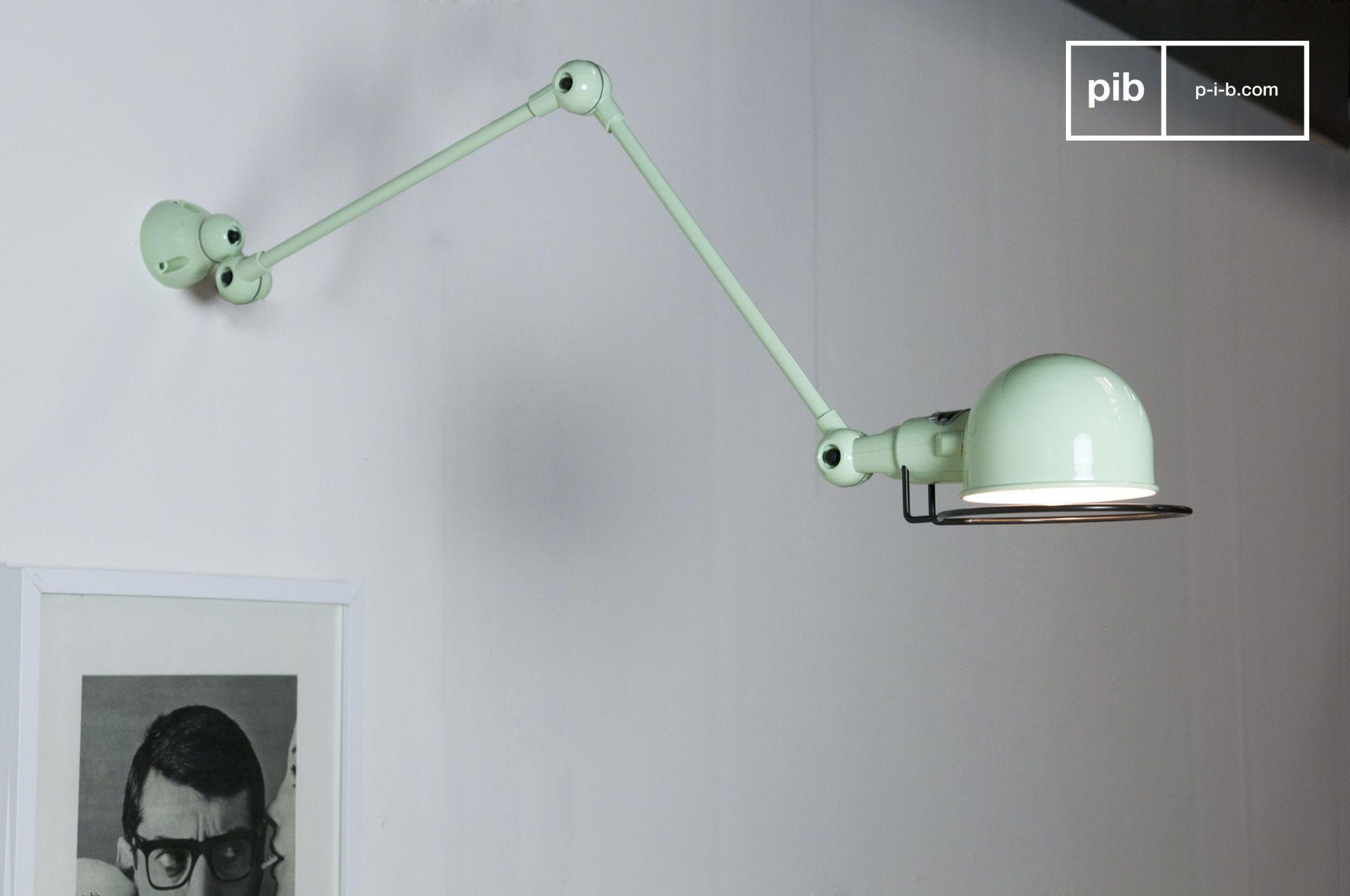 Lamp Spiegel Badkamer : Deze prachtige zeegroene wandlamp zal de spiegel in je