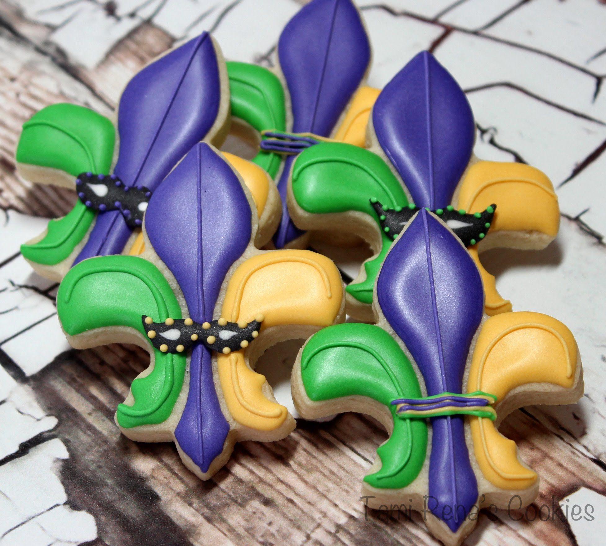 How to decorate a Fleur-de-lis for Mardi Gras