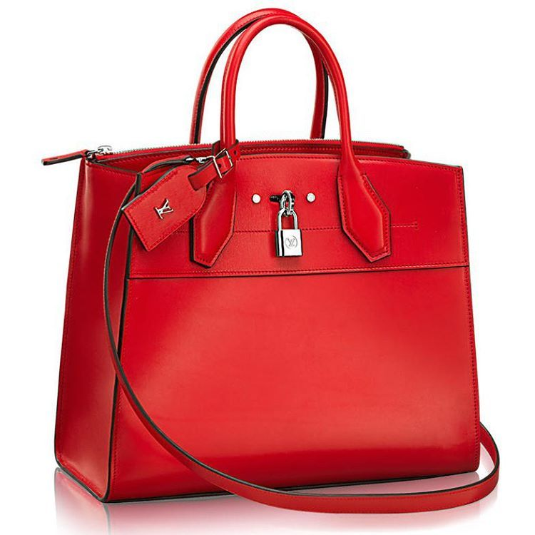 The Louis Vuitton City Steamer Bag  What do you think⁉️ Is it a Birkin look alike?
