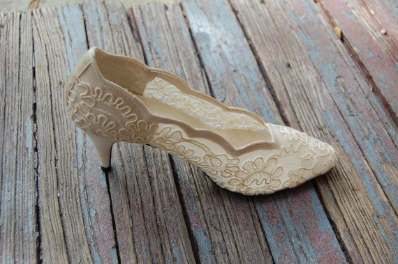 perfect for the mother of the bride in lace Cream Lace Bridal Shoes Vintage Frederica Leone Pumps by aestuum