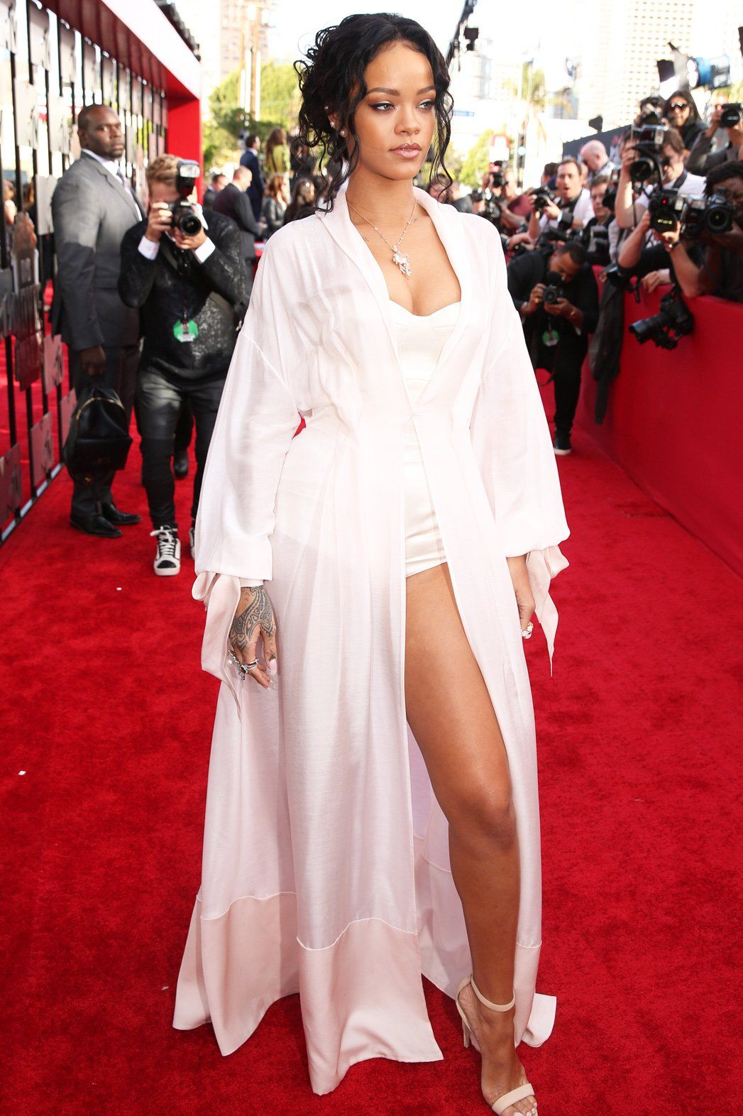 Rihanna Roter Teppich Only Girl In The Fashion World Rihanna S 15 Best Red Carpet