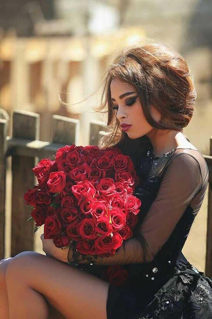 Pin By Remek Nowak On She S Beautiful Brunette Beauty Girl Photography Girl Poses