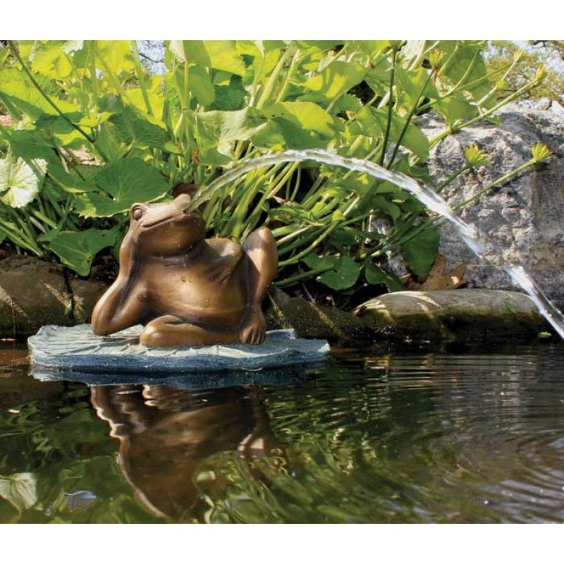 Pond And Garden   Lazy Frog On Lily Pad Spitter   Includes Pump More