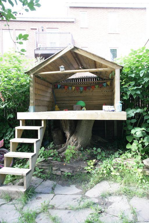 Une cour paradisiaque au coeur du Plateau Tree houses, Treehouse - Plan De Construction D Une Maison