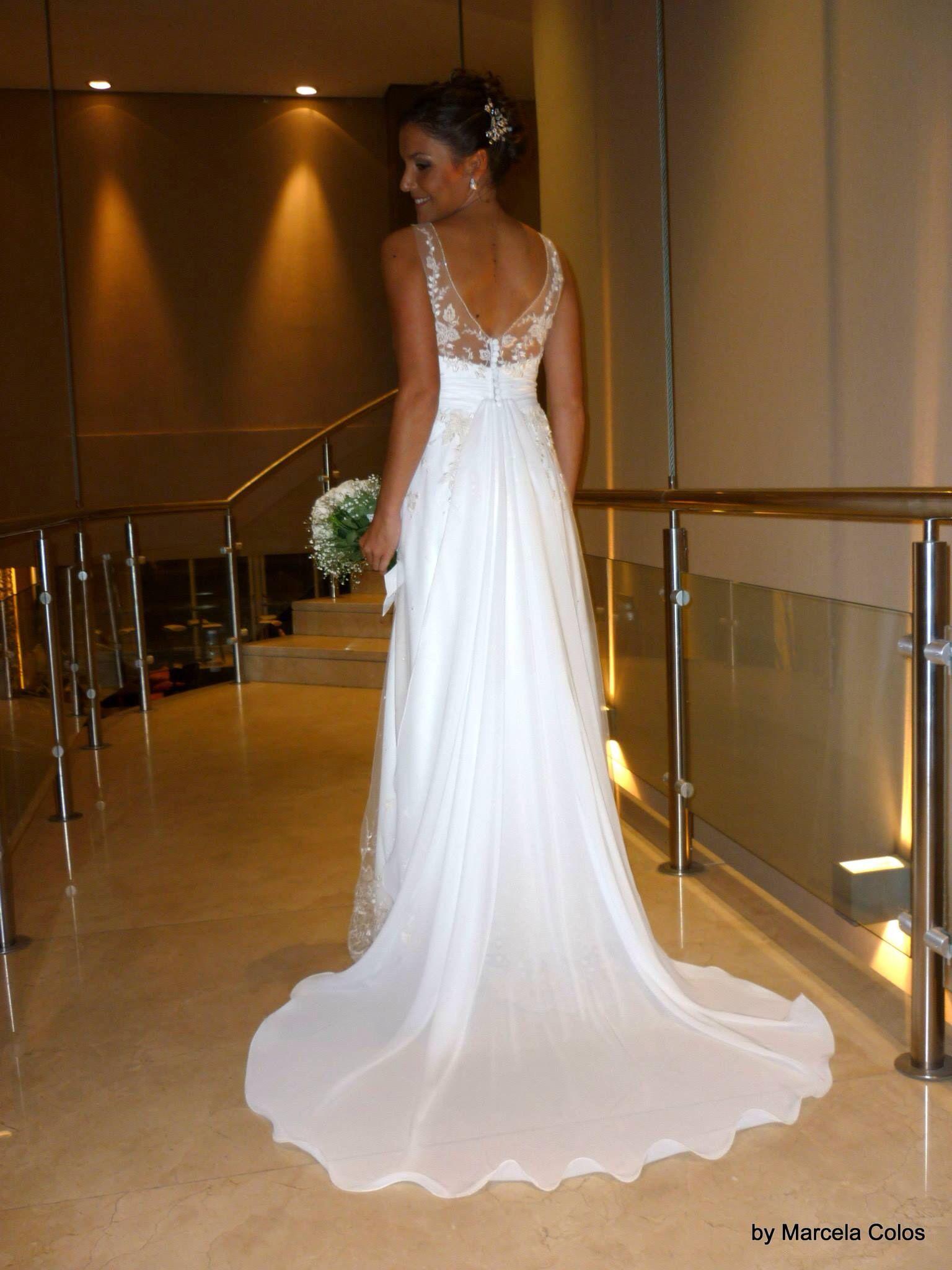 Vestido de muselina y tul bordado. Wedding dress by Marcela Colos ...