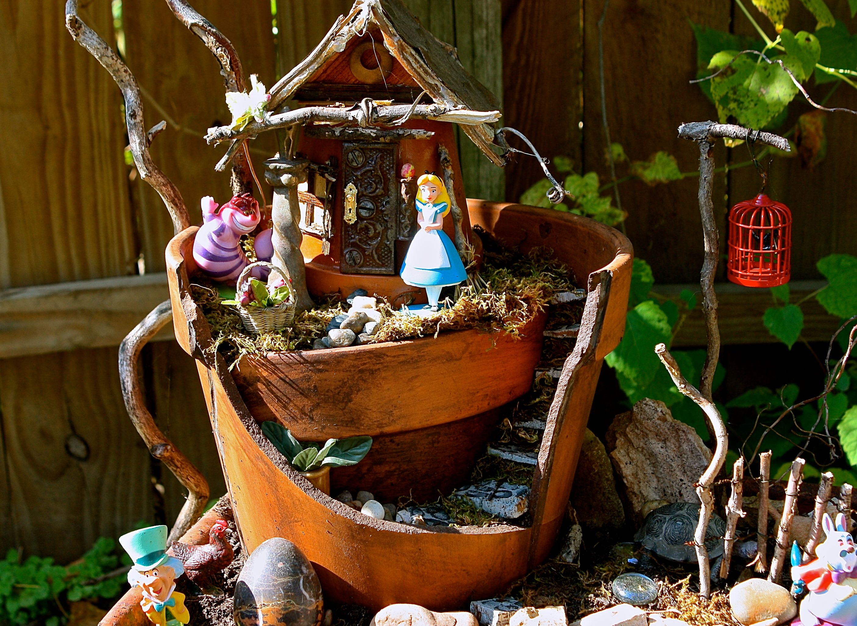 My Mom S Awesome Alice In Wonderland Garden Alice