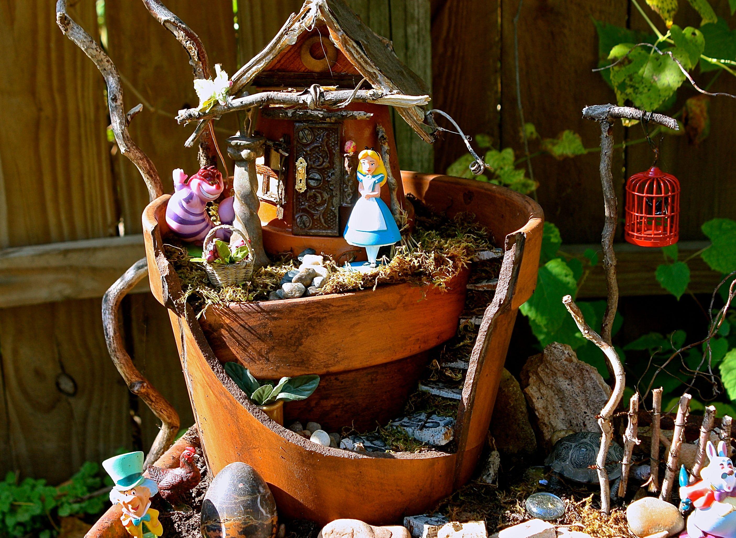 My mom\'s awesome Alice in Wonderland Garden. #Alice #Wonderland ...