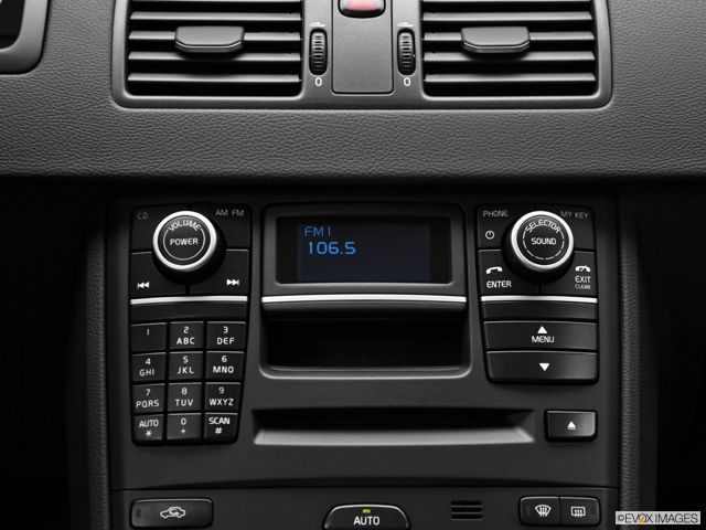 Turn up the volume  Available Rear Seat Entertainment (RSE