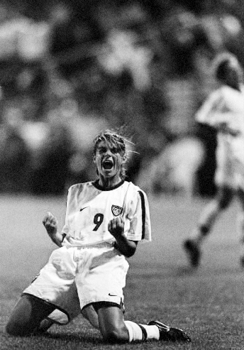 """""""True champions aren't always the ones that win, but those with the most guts."""" • Mia Hamm"""