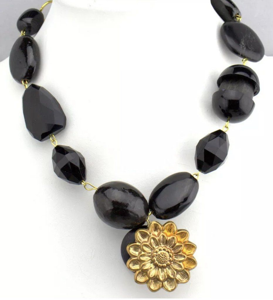 Photo of Gay Isber Chunky Black Beads mit goldener Blume Statement Halskette, Runway Designer Glamour Jewelry