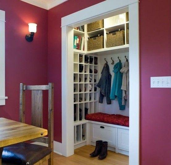 pour le placard de l 39 entr e de l 39 espace du rangement un banc et visuellement plus d 39 espace. Black Bedroom Furniture Sets. Home Design Ideas