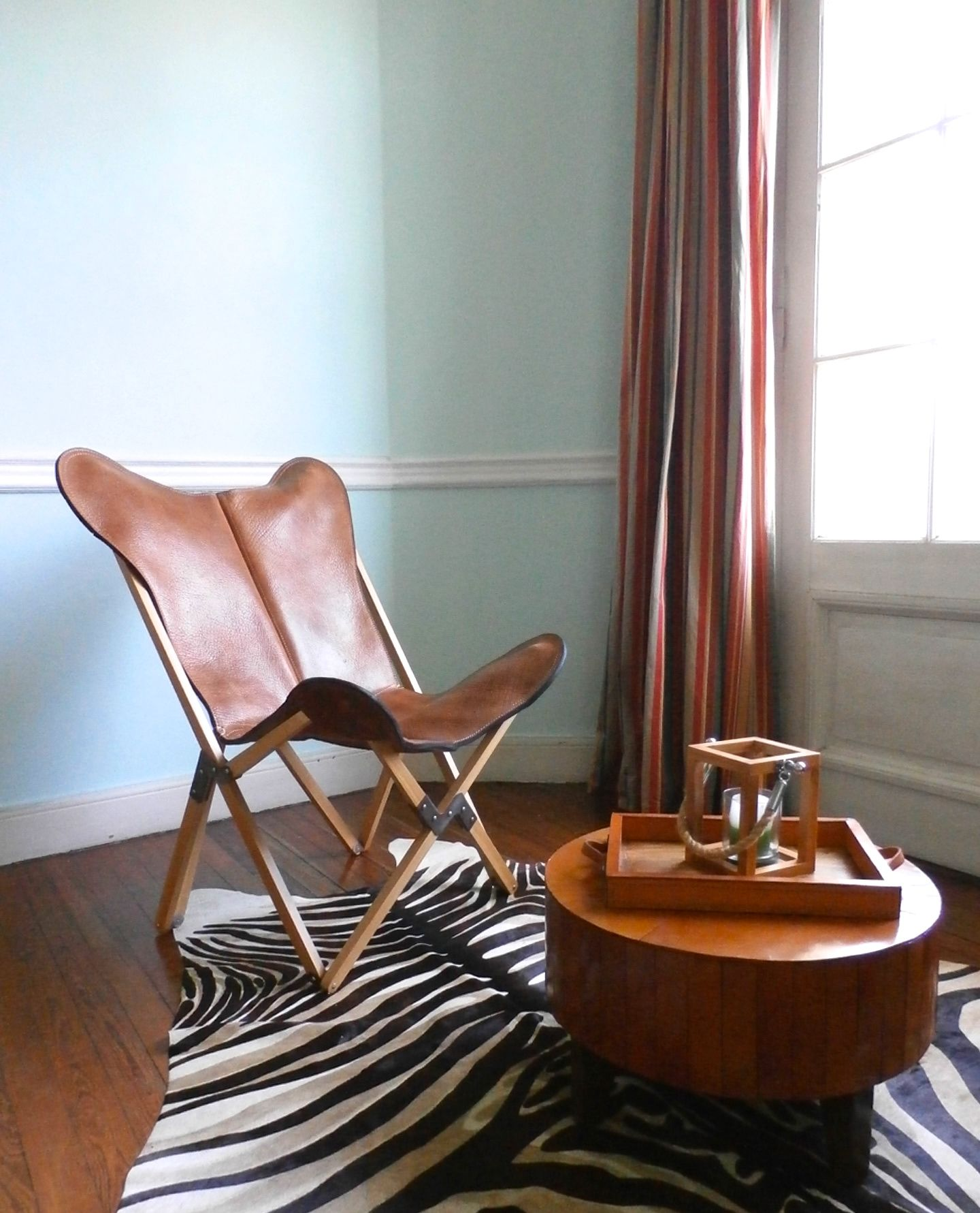 Tripolina Chair In Buffalo Leather And Folding Wood Frame
