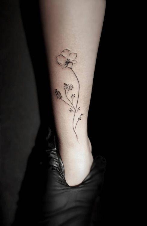 Little Wild Flower Tattoo Artist: Stella Luø