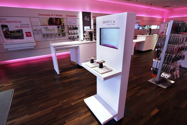 T Mobile Gets A Jump On The Holidays With Its Magenta Saturday
